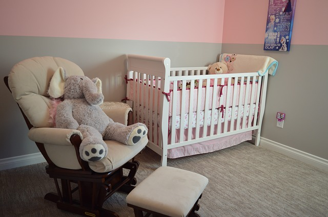 nursery in pink and gray colours