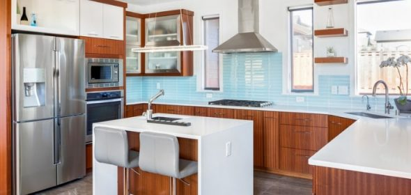 How to tile your kitchen splashback.