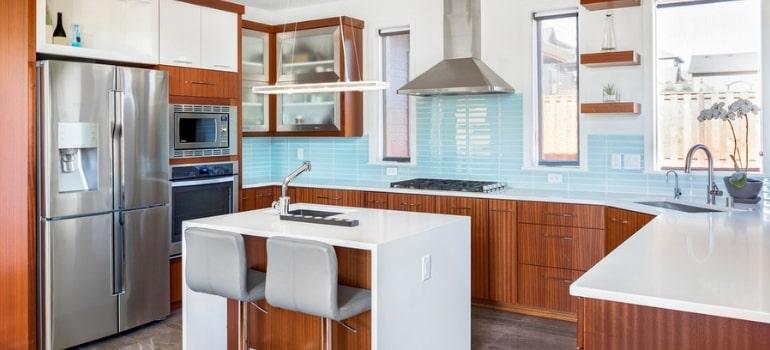 How to tile your kitchen splashback.